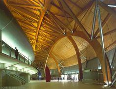 Atlantico Pavillion / Skidmore Owens and Merrill Regino Cruz Arquitectos Wood Architecture, Japanese Architecture, Architecture Details, Concrete Wood, Timber Wood, Timber Buildings, Timber Structure, Curved Wood, Built Environment