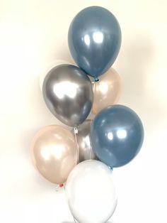 Balloon Decorations Party, Balloon Garland, Bridal Shower Decorations, Birthday Decorations, Birthday Ideas, Blue Ballons, Gold Balloons, Blue Bridal, Blue Wedding
