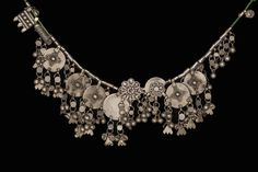 Necklace (Шейное украшение) | Place of creation: Yemen | Material: silver, metal, fishing line | Technique: forging, brazing | Date: 19th-20th century (?); Hermitage, St Petersburg