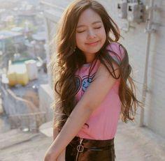 Jennie Kim is da best! Kim Jennie, Kpop Girl Groups, Kpop Girls, Blackpink Jisoo, Super Junior, K Pop, South Korean Girls, Girl Crushes, Got7