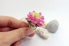 Polymer Clay Ring Realistic Lotus Flower Ring от SweetyBijou