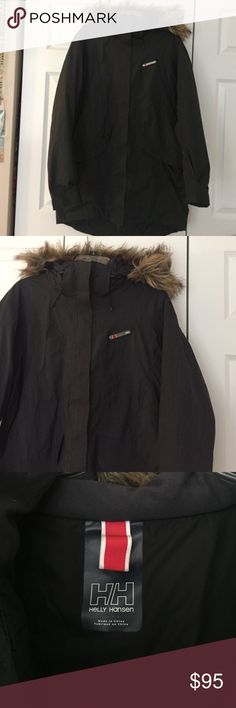 Helly Hansen Winter Ski Coat Helly Hansen Winter Ski Coat. In great condition and has a fur hood Helly Hansen Jackets & Coats Puffers