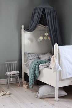 Composed contacted children's room decor ideas have a peek at this site Childrens Room Decor, Baby Room Decor, Kids Decor, Decor Ideas, Big Girl Rooms, Boy Room, Home Bedroom, Girls Bedroom, Scandinavian Kids Rooms