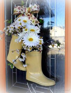 """""""Why not rain boots for Spring?""""..... adorable rain boot wreath! Very original and I just love it!"""