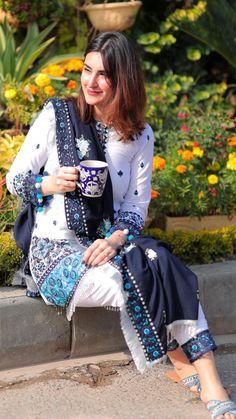 Pakistani Fancy Dresses, Beautiful Pakistani Dresses, Pakistani Outfits, Casual Wear, Casual Dresses, Girl Fashion, Fashion Outfits, Fashion Design, India Fashion Week