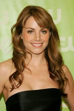 Erica Durance - Erica's Fab Physical Attributes(Hair, Eyes, Smile) #1-She´s a walking hair commercial - Fan Forum