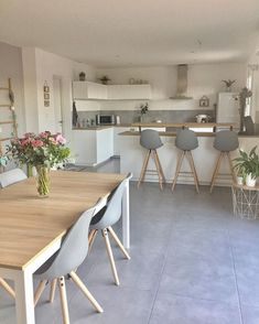 Sweet Home Decoration .Sweet Home Decoration Open Plan Kitchen Living Room, Kitchen Room Design, Modern Kitchen Design, Dining Room Design, Home Decor Kitchen, Kitchen Interior, Home Interior Design, Home Kitchens, Interior Livingroom
