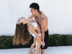 Maddie Ziegler and Her Boyfriend Can't Keep Their Hands off Each Other in 2017!