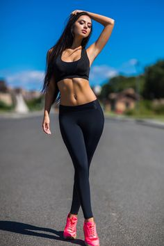 Fitness Clothes Women Set leggings women Activewea Yoga set Top Leggings Fitness Set Air Running Comfortable clothes Body Fitness Workout Clothes Activewea Air body Clothes Comfortable Fitness Leggings running Set Top women yoga Fitness Noir, Body Fitness, Black Fitness, Bikini Fitness, Fitness Style, Mädchen In Leggings, Workout Leggings, Yoga Workout Clothes, Gothic Leggings