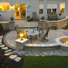 Miraculous backyard patio ideas with fire pit Find inspirations to plan and beautify your backyard design. These backyard patio ideas will help you to make your backyard pretty and comfort. Check now! Back Patio, Small Patio, Screened Patio, Outside Patio, Pergola Patio, Diy Patio, Backyard Landscaping, Landscaping Ideas, Backyard Ideas