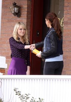 Emma Stone (Gwen Stacy) and Shailene Woodley (Mary-Jane Watson) on the set of the Amazing Spider-Man 2