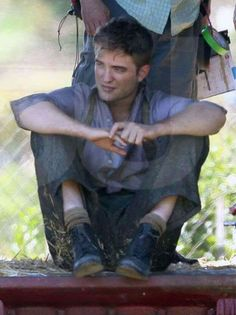 Flashback Pic Post – Set pics of Robert Pattinson Water For Elephants, Robert Douglas, Robert Pattinson, On Set, Elvis Presley, In Hollywood, My Dream, Twilight, Fictional Characters