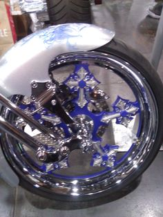 I love the details in this custom-design motorcycle chopper... #NYMotorcycleShows #Bikes #Cruisers #Motorcycles