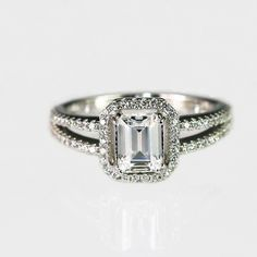 1.0CT Sterling silver Emerald cut Solitare Engagement Ring - Baguette Step Cut cz ring - Promoise Ring - Wedding Ring - cubic zirconia rings - http://emerald-engagementring.com/1-0ct-sterling-silver-emerald-cut-solitare-engagement-ring-baguette-step-cut-cz-ring-promoise-ring-wedding-ring-cubic-zirconia-rings/