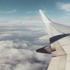 ..porta con te la voglia di non tornare più.. #flight #milan #milano #lameziaterme #volo #aereo #ryanair #clouds #cloudporn #sky #overtherainbow #cielo #concy #friend #best #buongiorno #viaggio #travel #traveling #travelgram #andatasenzaritorno #calabria #lombardia #bomberismo #mattutino by alba_franca
