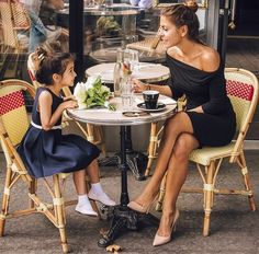 Paris...REMINDS ME OF ME AND MY DAUGHTER WHEN SHE WAS YOUNG AWW HOW I MISS HER SO BELLA DONNA