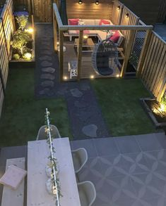 Excluton terrastegel Optimum Decora Create an incredibly beautiful and eye-catching surface with the Lightweight Optimum Decora Gray Rose tile. Backyard Seating, Backyard Patio Designs, Modern Backyard, Small Backyard Landscaping, Back Garden Design, Modern Garden Design, Piscina Spa, Terrace Garden, Outdoor Gardens