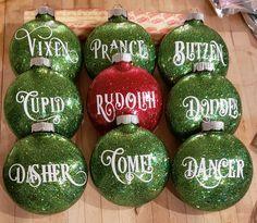 Vinyl Christmas Ornaments, Cricut Christmas Ideas, Christmas Projects, Holiday Crafts, Christmas Holidays, Christmas Bulbs, Holiday Tree, Reindeer Ornaments, Glitter Ornaments