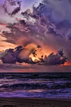 Purple Clouds ➖➖➖➖➖➖➖➖➖ ➖➖➖➖➖➖➖➖➖ Weather ➖➖➖➖➖➖➖➖➖ Ocean ➖➖➖➖➖➖➖➖➖ Water ➖➖➖➖➖➖➖➖➖ Florida Coastal Storm by Ken Cave Beautiful Sunset, Beautiful World, Beautiful Images, Simply Beautiful, All Nature, Amazing Nature, Belle Photo, Pretty Pictures, Beautiful Landscapes