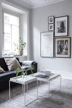 Home Interior Traditional A clean look in white and grey - via Coco Lapine Design.Home Interior Traditional A clean look in white and grey - via Coco Lapine Design Monochrome Interior, Grey Interior Design, Home Interior, Living Room Interior, Interior Design Inspiration, Home Living Room, Living Room Designs, Living Room Decor, Contemporary Interior