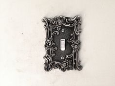 https://flic.kr/p/ZGeGfn   Vintage light switch cover with switch turned off   This image is designated creative commons and is free to use. Enjoy. If you would like to support my photography financially I have photos availabe to license as stock photography on multiple stock photo agencies online including Fotolia and Getty Images. Thanks
