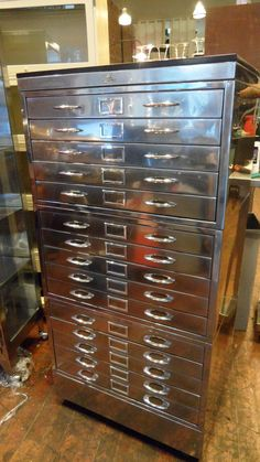 same as mine, but in sooo much better shape allsteel 15 drawer flat file. same as mine, but in sooo much better shape :-) Industrial Design Furniture, Industrial Living, Industrial Chic, Unique Furniture, Vintage Furniture, Furniture Design, Flat File Cabinet, Filing Cabinet, Flat Files