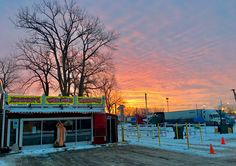 Johnny's Wee Nee Wagon - Markham, IL