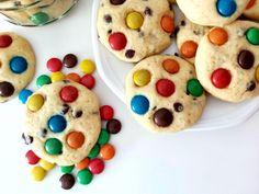 Fursecuri cu bomboane M Cookies, Desserts, Food, Biscuits, Meal, Deserts, Essen, Hoods, Dessert