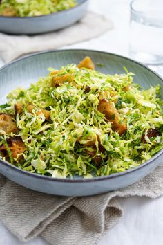 Rosenkohl-Caesar-Salat © Elle Republic