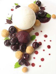 blueberry pie (sous-vide blueberries, roasted flour nuggets, lemon balm frozen yogurt & blueberry sauce)