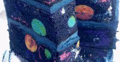Cukrárka Pedigiggle pre synčeka upiekla narodeninovú tortu s veľkým prekvapením vo vnútri - skrýva sa tam celý vesmír! Vesmírna narodeninová torta