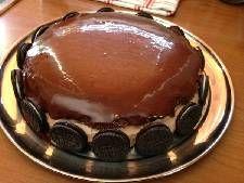 Τούρτα σοκολατίνα με κρέμα σοκολάτας και γλάσο! Pudding, Cake, Desserts, Food, Pie Cake, Tailgate Desserts, Pastel, Meal, Dessert
