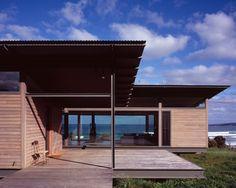 Sugar Gum House: a prefab cabin