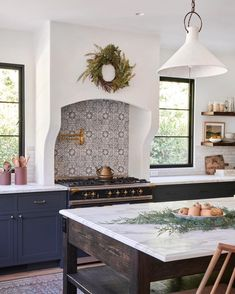 This kitchen design by is everything we needed today and more! From the festive decor to the beautiful. Vintage Dining Chairs, Amber Interiors, Cabinet Colors, Kitchen Accessories, Kitchen Decor, Navy Kitchen, Kitchen Ideas, Kitchen Interior, Kitchen Inspiration