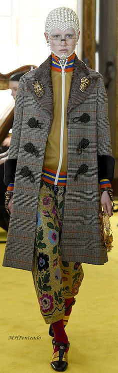 Gucci resort Clearly not everyday street wear but I would rock that jacket any day Gucci Fashion, Grey Fashion, Fashion 2018, Couture Fashion, Love Fashion, Runway Fashion, Womens Fashion, Autumn Fashion, Fashion Trends