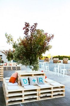 outdoor palette reception lounge seating - brides of adelaide