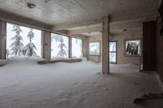 "Photographer Svein Nordrum, 54, had to brave minus seven degrees celsius after climbing the mountain. | 14 Creepy Pictures Of An Abandoned Ski Resort That Looks Like ""The Shining"" Hotel"