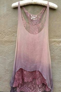 Feb 21 2020 - Beautiful top in pink with lace trim but where can I get this? Stylish outfit ideas for women who love. Mode Outfits, Fashion Outfits, Estilo Hippie, Mode Boho, Mode Inspiration, Look Fashion, Boho Fashion Summer, Fashion Fashion, Fashion Tips