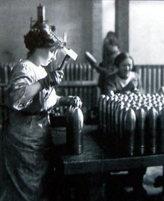 English munition factory during First World War Tens of thousands of women, especially in England, were employed in munitions factories. The work had its hazards.
