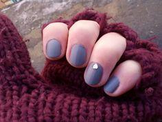 Matt gray nail
