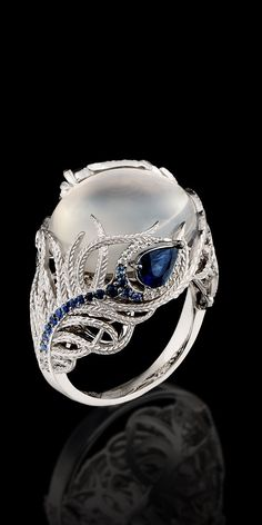 Master Exclusive Jewellery - Ring - 18K white gold, moonstone 12,21 ct, diamonds, blue sapphires