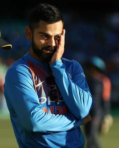 Buzzzfly brings for you the facts which are related to the Virat Kohli life. Here you get the Virat Kohli photo, unique facts in Hindi, Virat Kohli brand val. World Cup Trophy, India Cricket Team, Virat Kohli Wallpapers, Virat And Anushka, Yuvraj Singh, Test Cricket, Sports Personality, Indian Celebrities, Sport Man