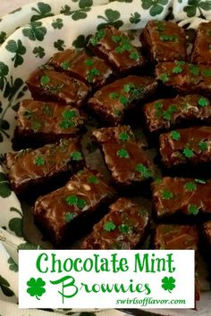 Chocolate Chip Mint Brownies is a homemade brownies recipe topped with a one ingredient mint frosting. An easy dessert recipe for your Saint Patrick's Day celebration! Homemade Chocolate Chips, Homemade Brownies, Chocolate Chip Recipes, Mint Chocolate Chips, Brownie Recipes, Chocolate Desserts, No Cook Desserts, Dessert Recipes, Cake Recipes
