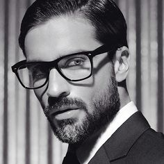 Fabricio Zunino R. Just for your, JM! Handsome Bearded Men, Hairy Men, Ginger Beard, Beard Love, Mens Glasses, Hair And Beard Styles, Male Face, Attractive Men, Good Looking Men