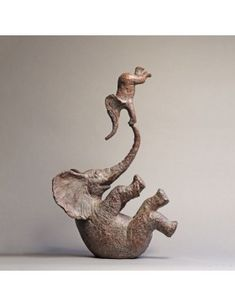 Sophie Verger - Perché Bronze 61 x 41 x 20 cm 2017 Deco Elephant, Elephant Home Decor, Elephant Mugs, Elephant Figurines, Elephant Art, Pottery Sculpture, Sculpture Art, Metal Art, Wood Art