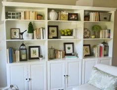 I want built-in bookshelves or faux built-ins so badly.