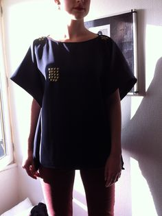 DIY T-SHIRT WITH STUDS ! SO EASY !!