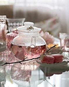 Herbal tea over coffee any day Glace Fruit, Pause Café, Tea Art, My Cup Of Tea, Jolie Photo, Aesthetic Food, Herbal Tea, Tea Recipes, High Tea