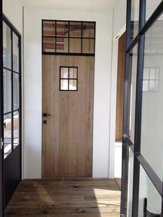 + Mix of industry & wood . Steel Doors And Windows, Arched Windows, Küchen Design, Door Design, Farm Door, Urban Cottage, Inside Doors, Small Doors, House Front Door