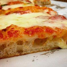 pizza pizza pasta La pizza in teglia ad alta idr Burger Bar Party, Pizza Recipes, Cooking Recipes, Pizza E Pasta, Focaccia Pizza, Polenta, Empanadas, I Love Pizza, Pizza House